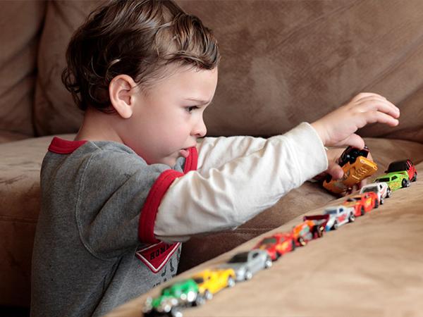 بازی در کودکان اتیسم